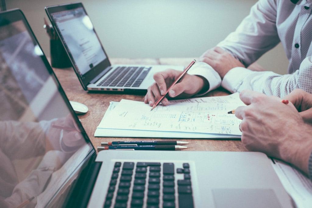 مدیریت-بازاریابی-و-توسعه-کسب-و-کار