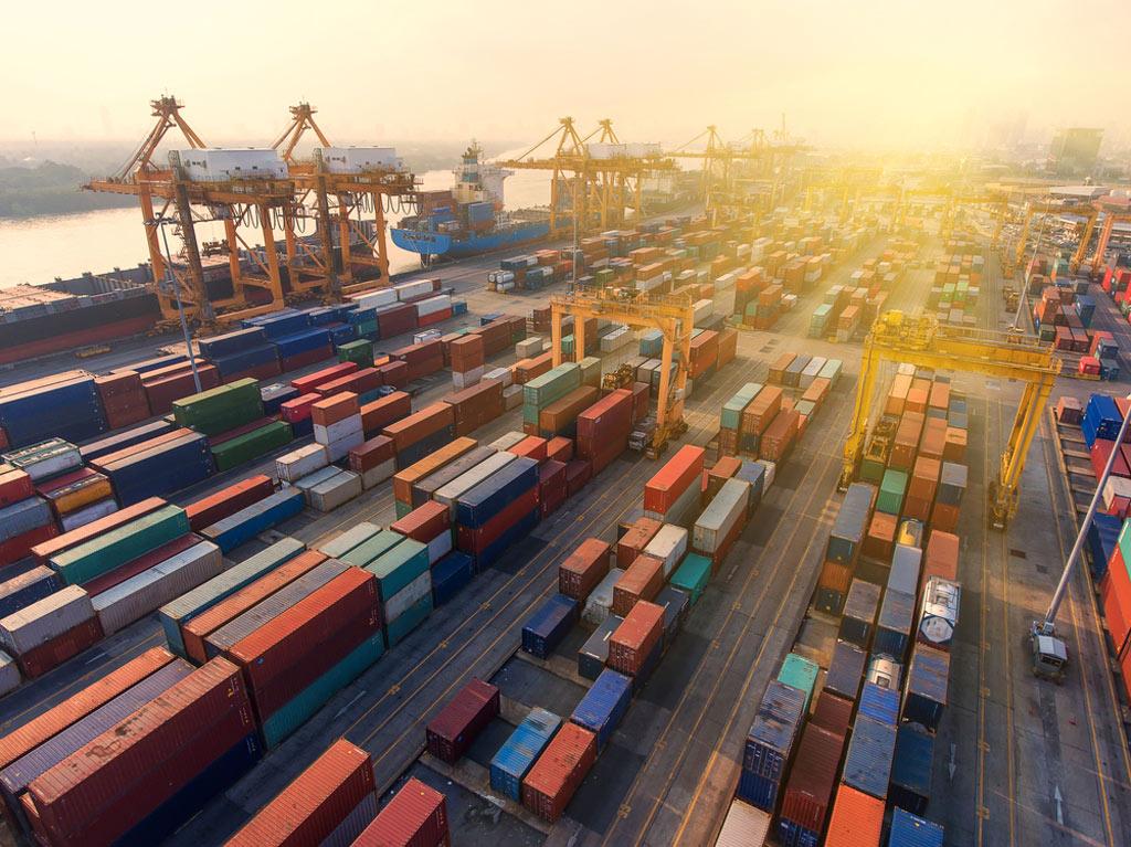 تجارت بین الملل-توسعه اقتصادی-سودآوری-ارز آوری-تجارت