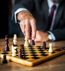 مزیت رقابتی-مدیریت-اهمیت مزیت رقابتی-مزیت رقابتی پایدار-مدیریت بازار-کارافرینی-مانی شجاعی-مدیریت کارافرینی