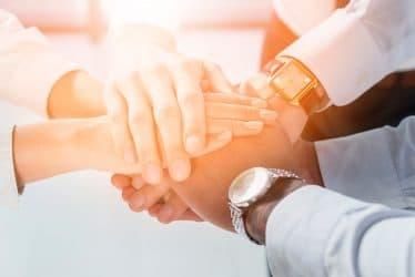 ارتباط زن و مرد-زن و مرد تکمیل کننده همدیگر-زن و مرد-نیروی انسانی-کارمند زن-کارمند مرد-مانی شجاعی
