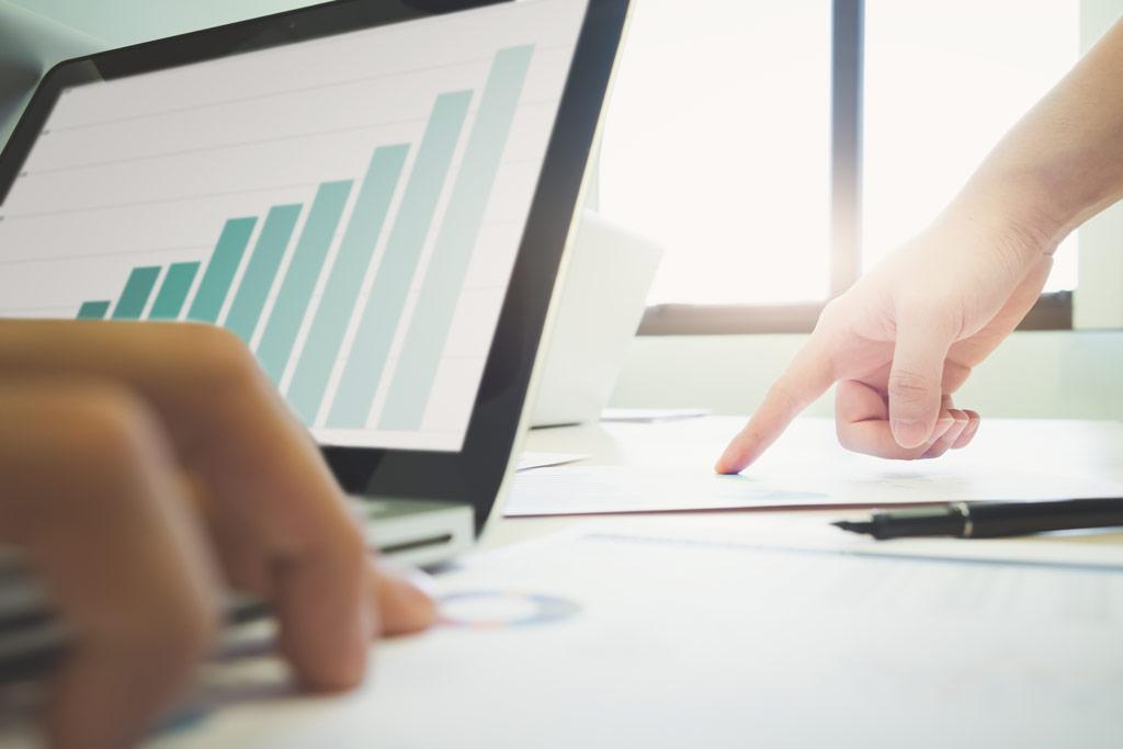 ارزیابی - مدیریت - مدیریت بازاریابی - ارزیابی عملکرد - CRM - بازاریابی - مانی شجاعی