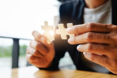 کارآفرینی-موفقیت-توسعه اقتصادی-کارآفرین-مانی شجاعی-آموزش کارآفرینی
