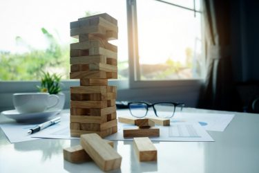 سازمان چابک - مدیریت - تصمیم گیری - محیط پیرامون - مدیریت سازمان - تئوری مدیریت - تصمیمگیری انعطافپذیر - مانی شجاعی