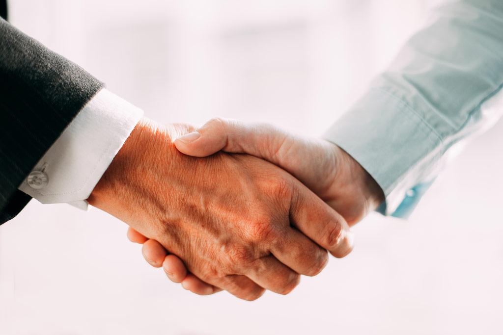 روابط مشتریان-روابط بازاریابی-بازاریابی-ارتباط با مشتریان-تئوریهای بازاریابی-مانی شجاعی