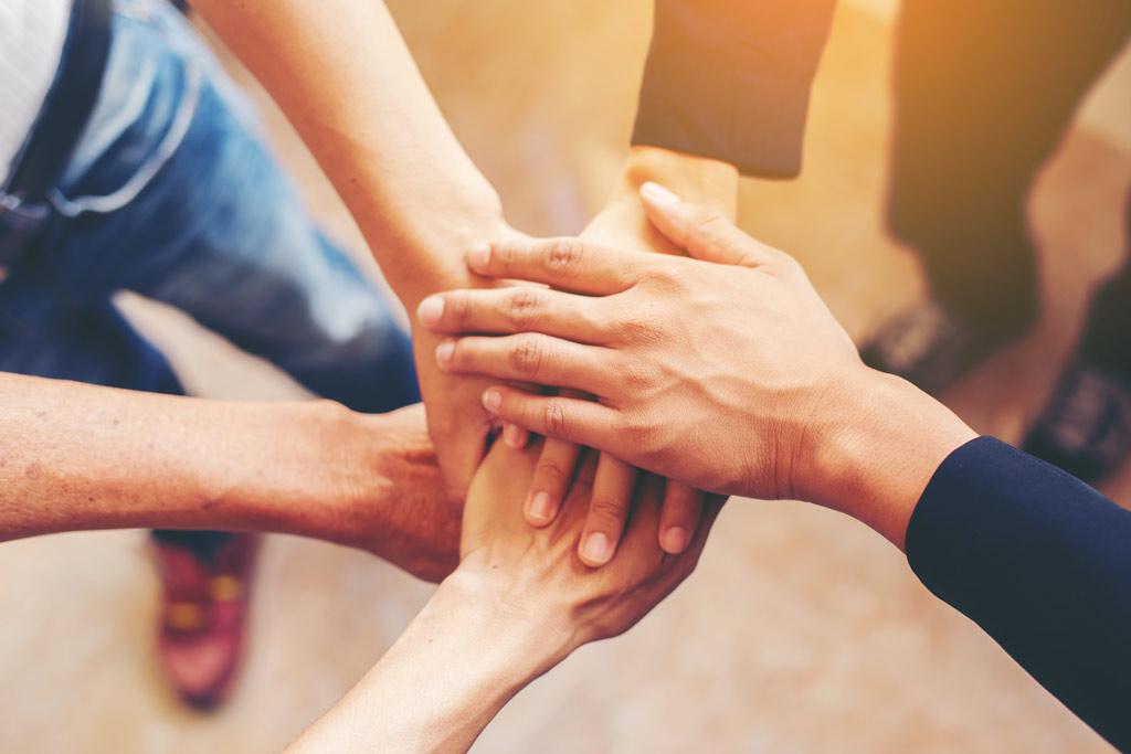 ارتباط-روابط شغلی-ارتباط در محیط کار-روابط همکاری-گروههای کاری-ارتباط کاری-ارتباط شغلی-منابع انسانی-مدیریت منابع انسانی