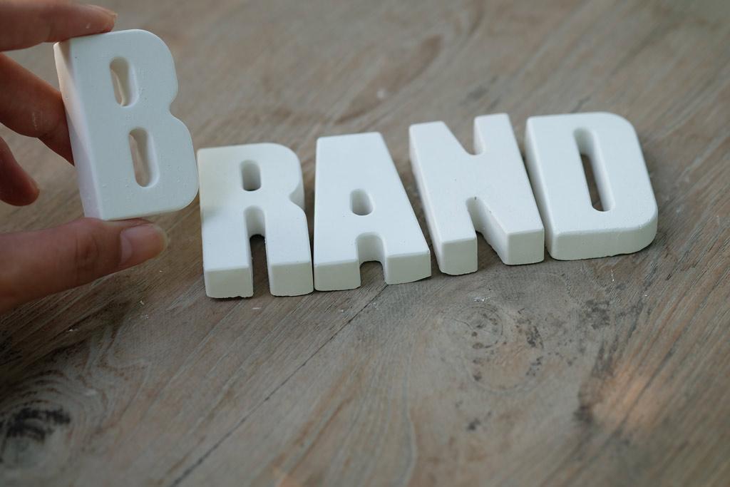 استراتژی برند-برندسازی-ساخت برند-ارزش آفرینی-ارزش نامشهود-مدیریت بازاریابی-ام شجاعی