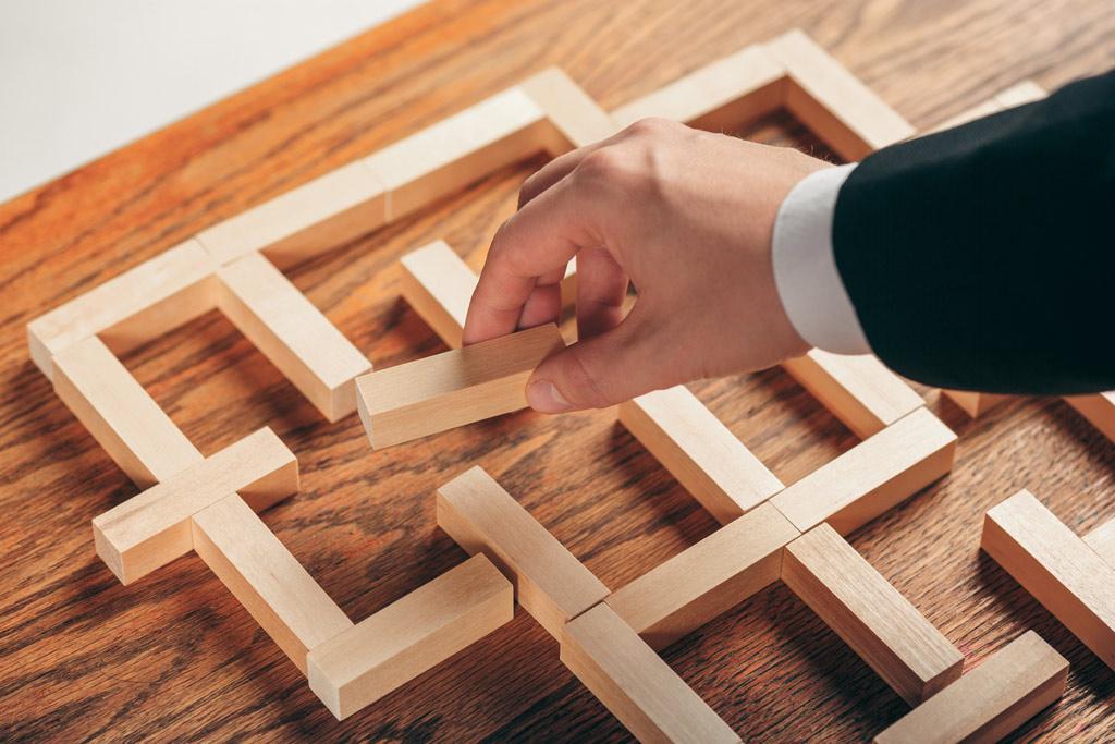 استراتژی حضور در بازار - استراتژی بازاریابی - موفقیت بازاریابی - شرط موفقیت در بازاریابی - بازاریابی در شرکت های صنعتی - مقاله دانشگاهای بازاریابی - سایت ام شجاعی